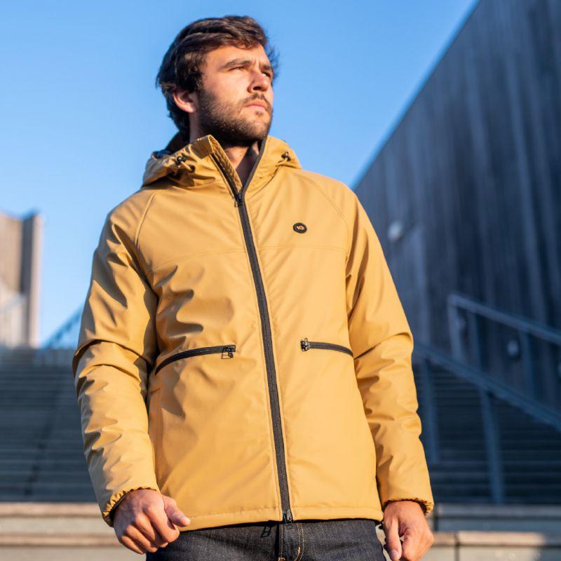 Beige coat : Sandstorm